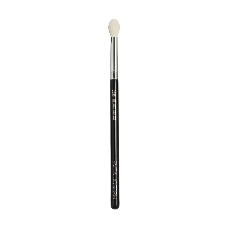 G235 DELUXE CREASE BRUSH