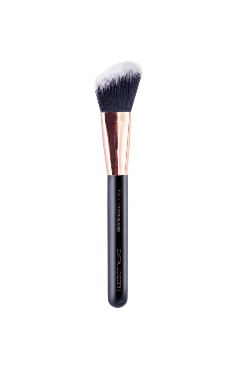 F320 PRECISION BLUSHER BRUSH