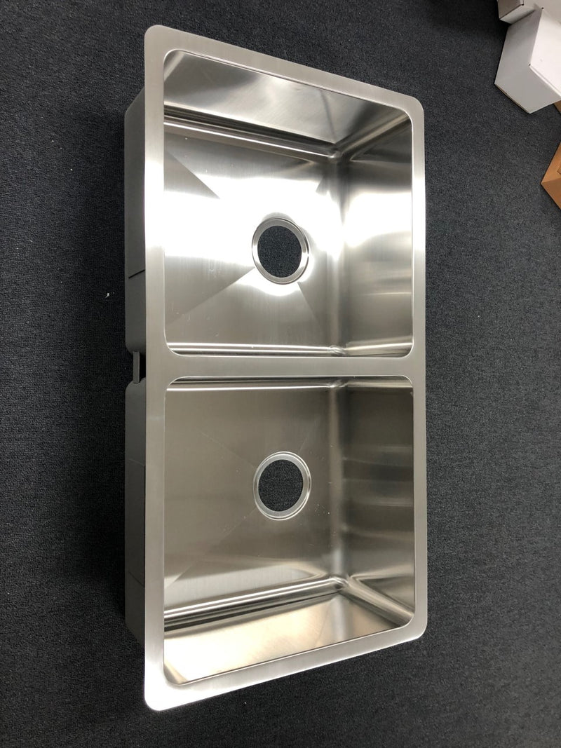 Giovanni  Double Bowl Undermount Sink