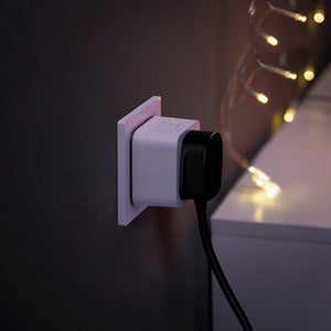 Philips Hue Smart Plug in wall