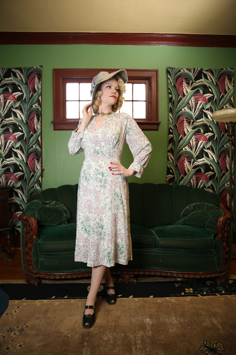 Springy 1940s Cold Rayon Day Dress with Floral Print of Grey, Emerald and Fuchsia