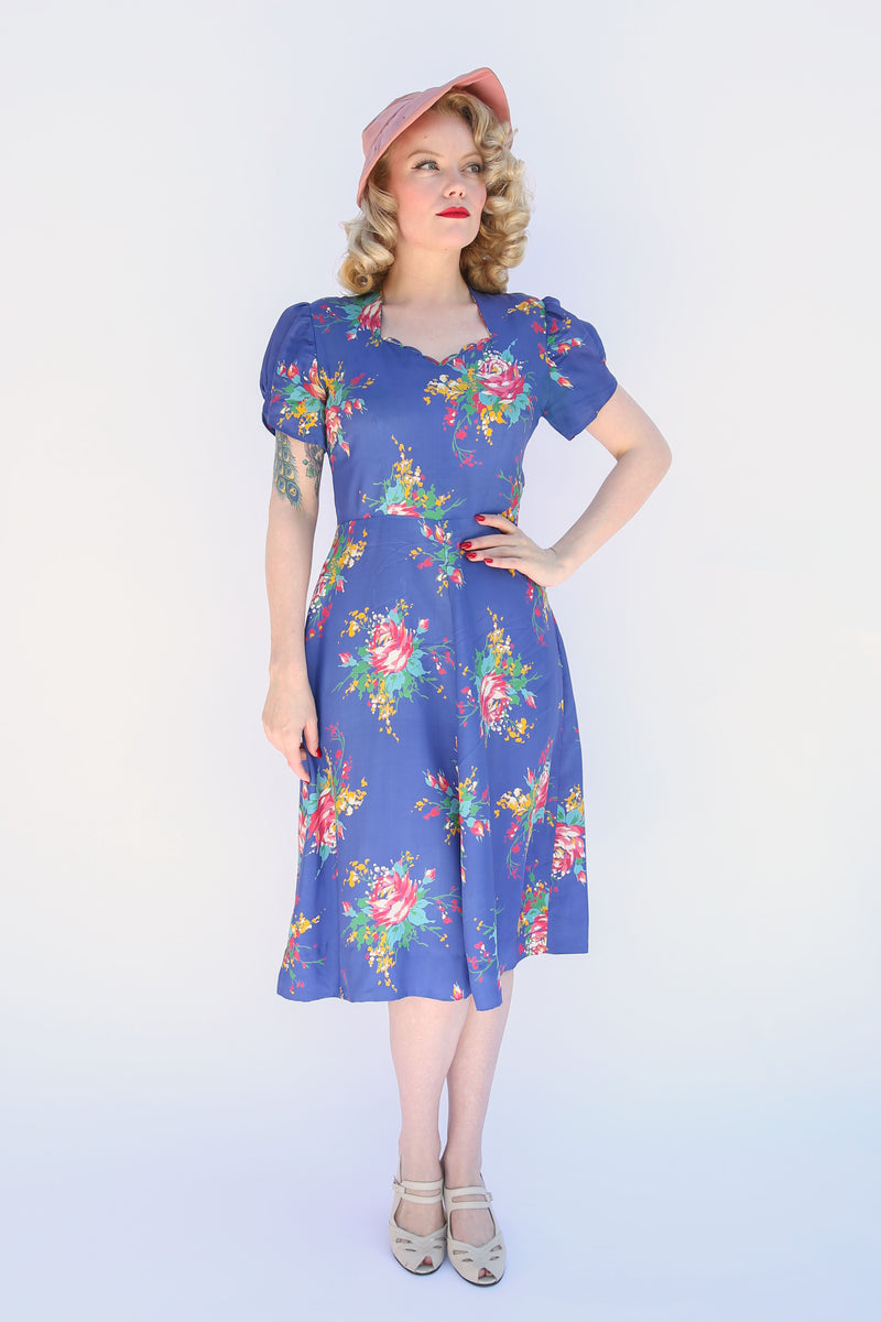 Wonderful 1940s Coily Tilt Hait with Sequins and Asymmetric Accents