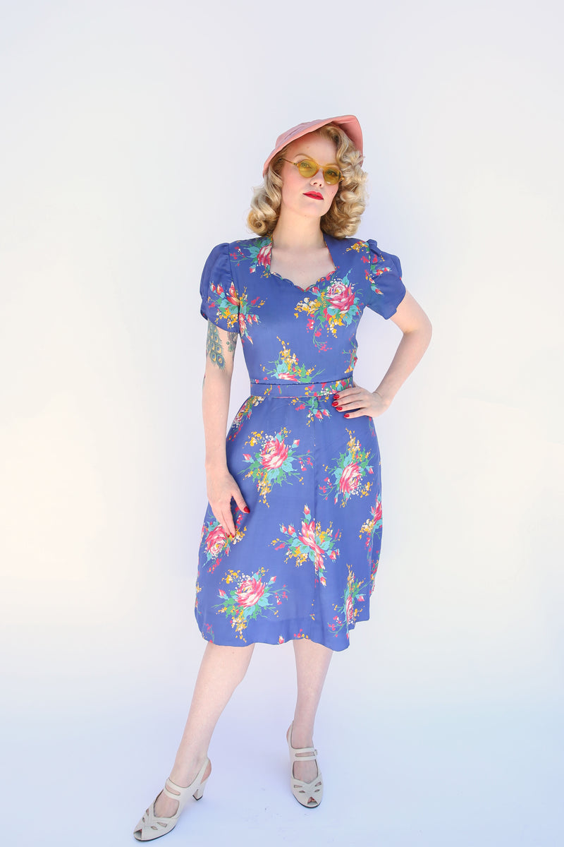 Phenomenal Early 1940s Perwinkle Puff Sleeve Floral Dress with Sweet Heart Neckline