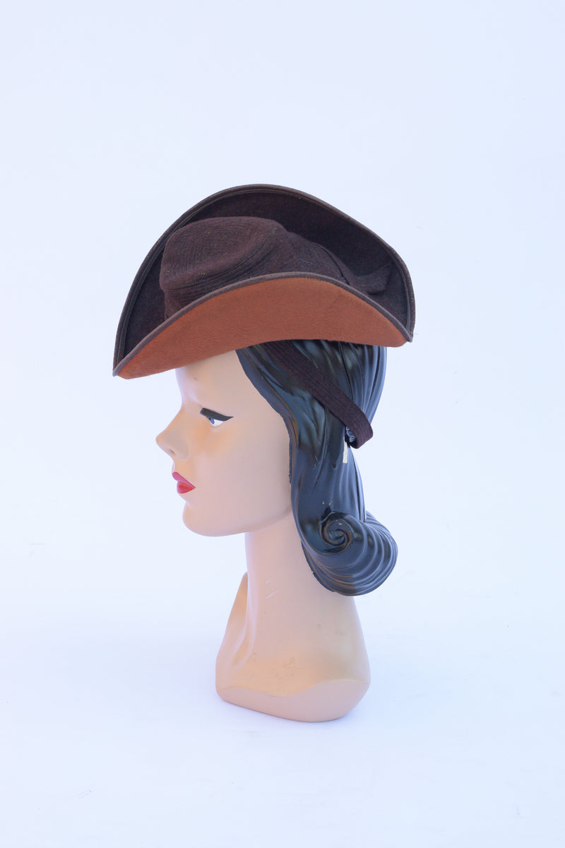 Killer Late 1930s Dramatic 2-tone Wool Felt Tilt Hat with Top Stitching