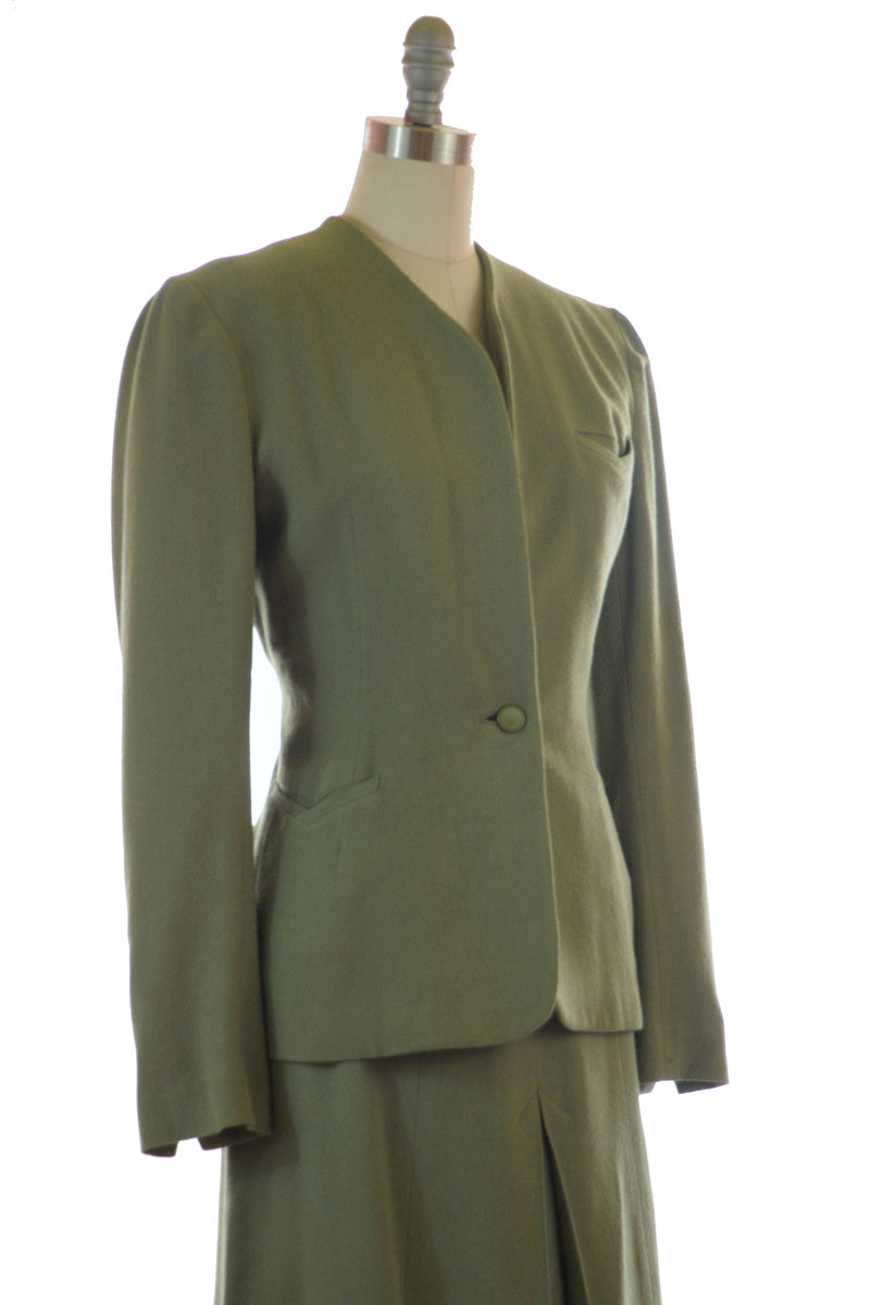 Vintage WWII Era 1940s Tailored Suit in Moss Green Wool with A-Line Skirt