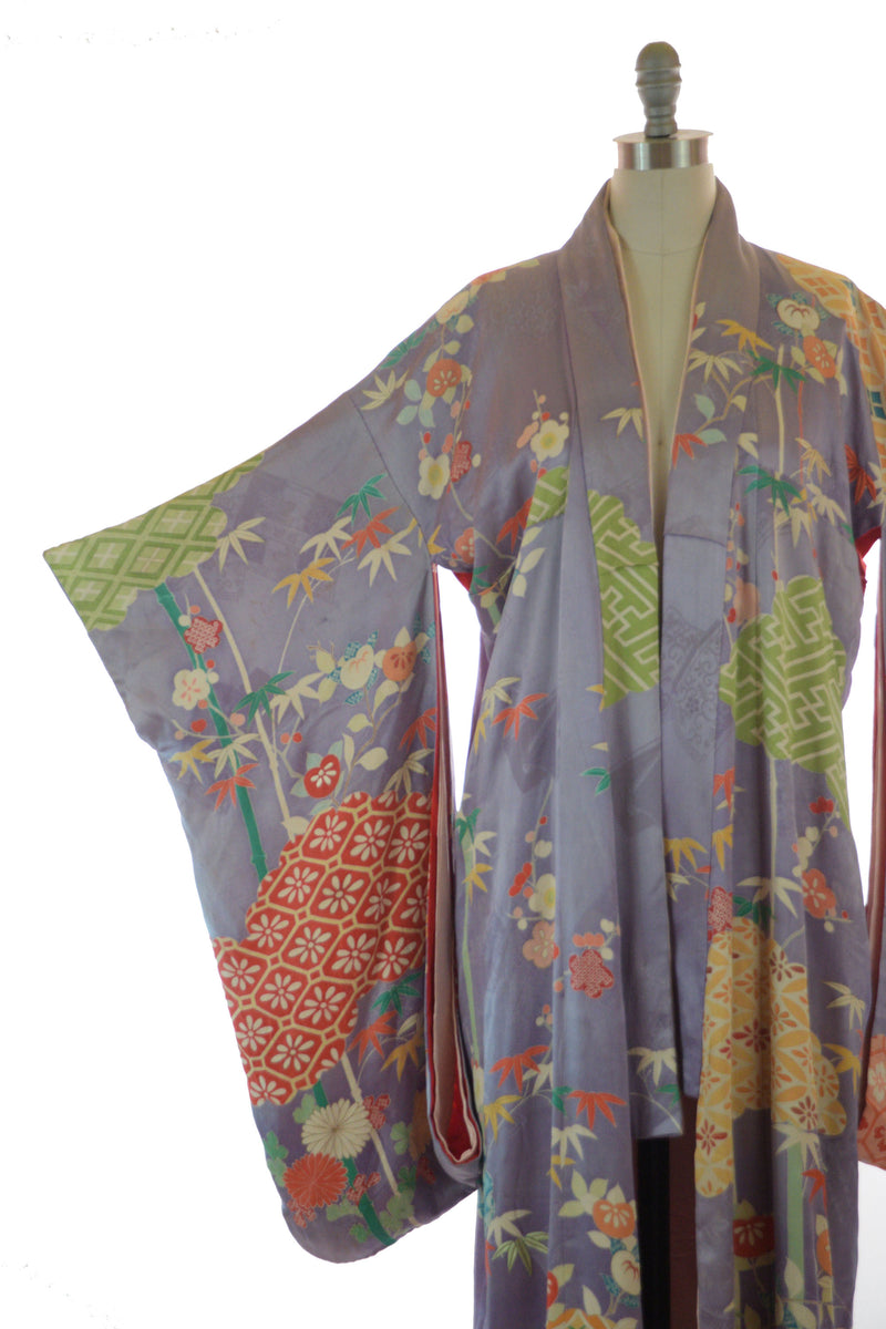 Exquisite 1950s Silk Kimono in Lavender with Bamboo and Cherry Blossoms