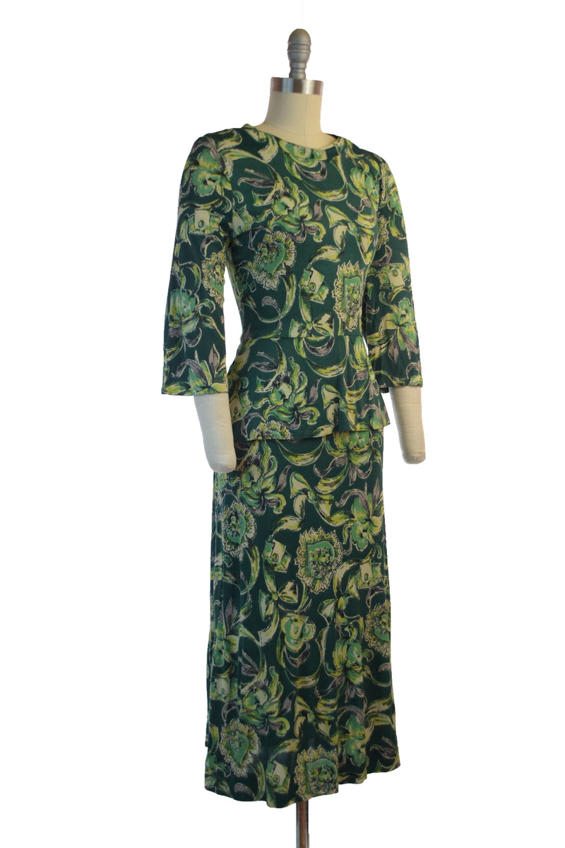 Insanely Fabulous 1940s Rayon Jersey Day Dress with Novelty Print in Emerald and Chartruese