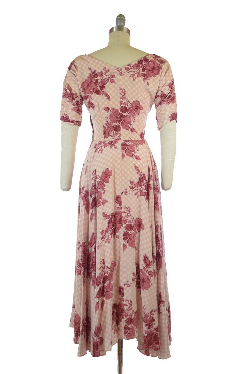 Exquisite 1940s Rose and Gingham Print Silk Springtime Gown with Ruched Sleeves