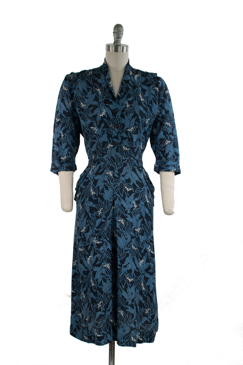 Boldly Printed 1940s Rayon Day Dress with Dramatic Foliage and Lily of the Valley Motif