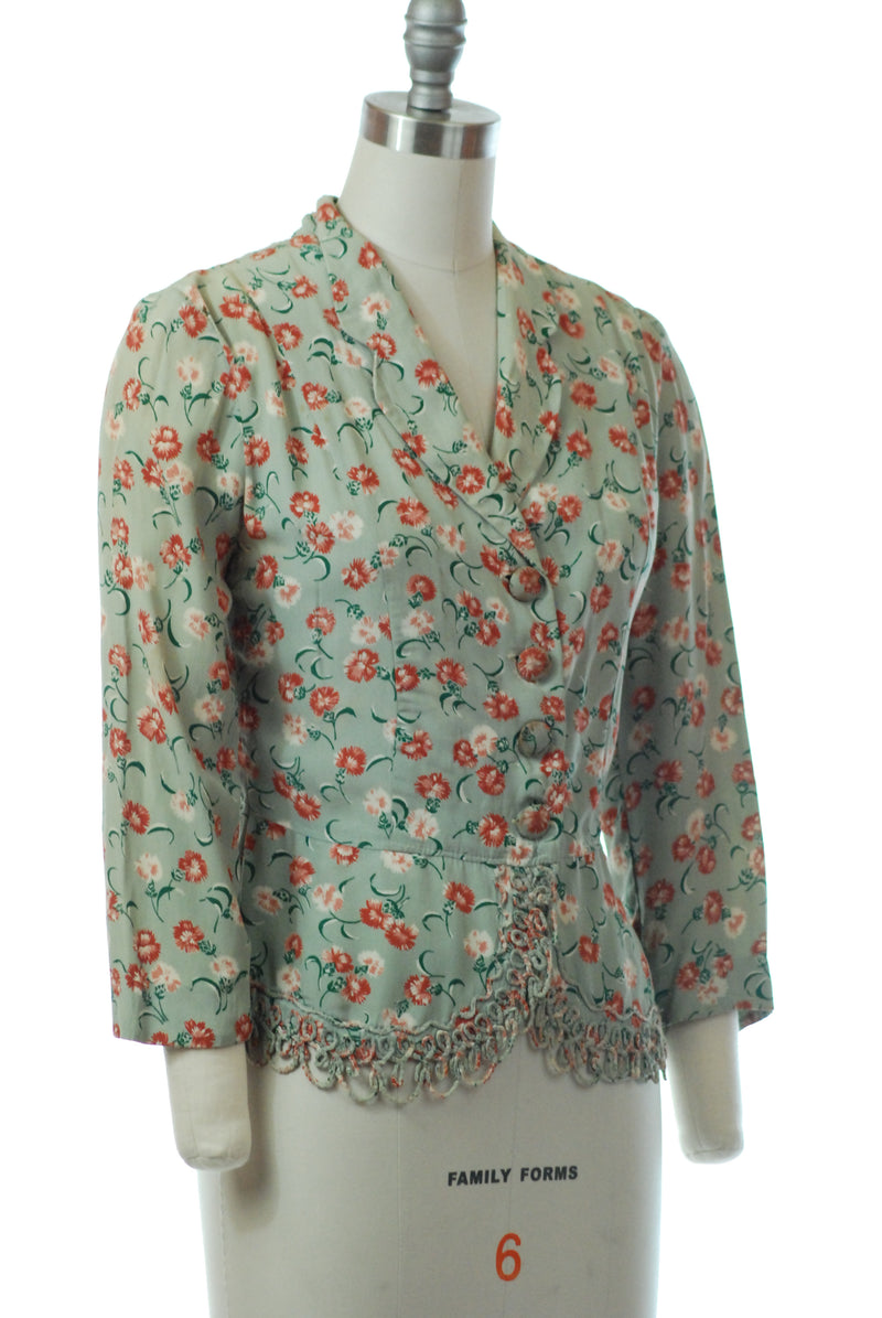 Rich 1940s Autumnal Floral Button Front Blouse with Scalloped Piping Trim