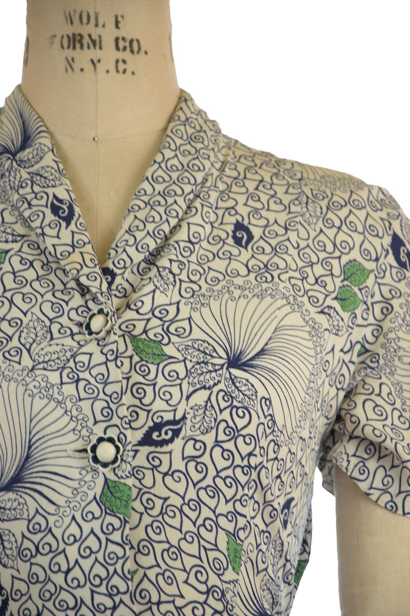 Striking 1940s Postwar Rayon Day Dress in Curling Leaf print
