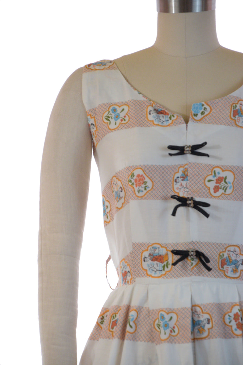 Crisp 1950s Cotton Summer Print Dress with People in Chinese Garden Scenes