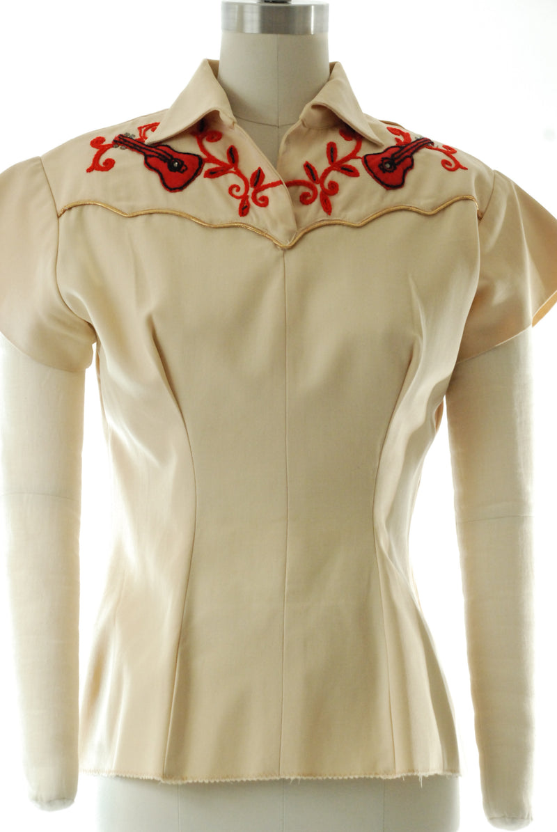 Cute 1950s Pullover Style Western Bowling Shirt with Applique Guitars