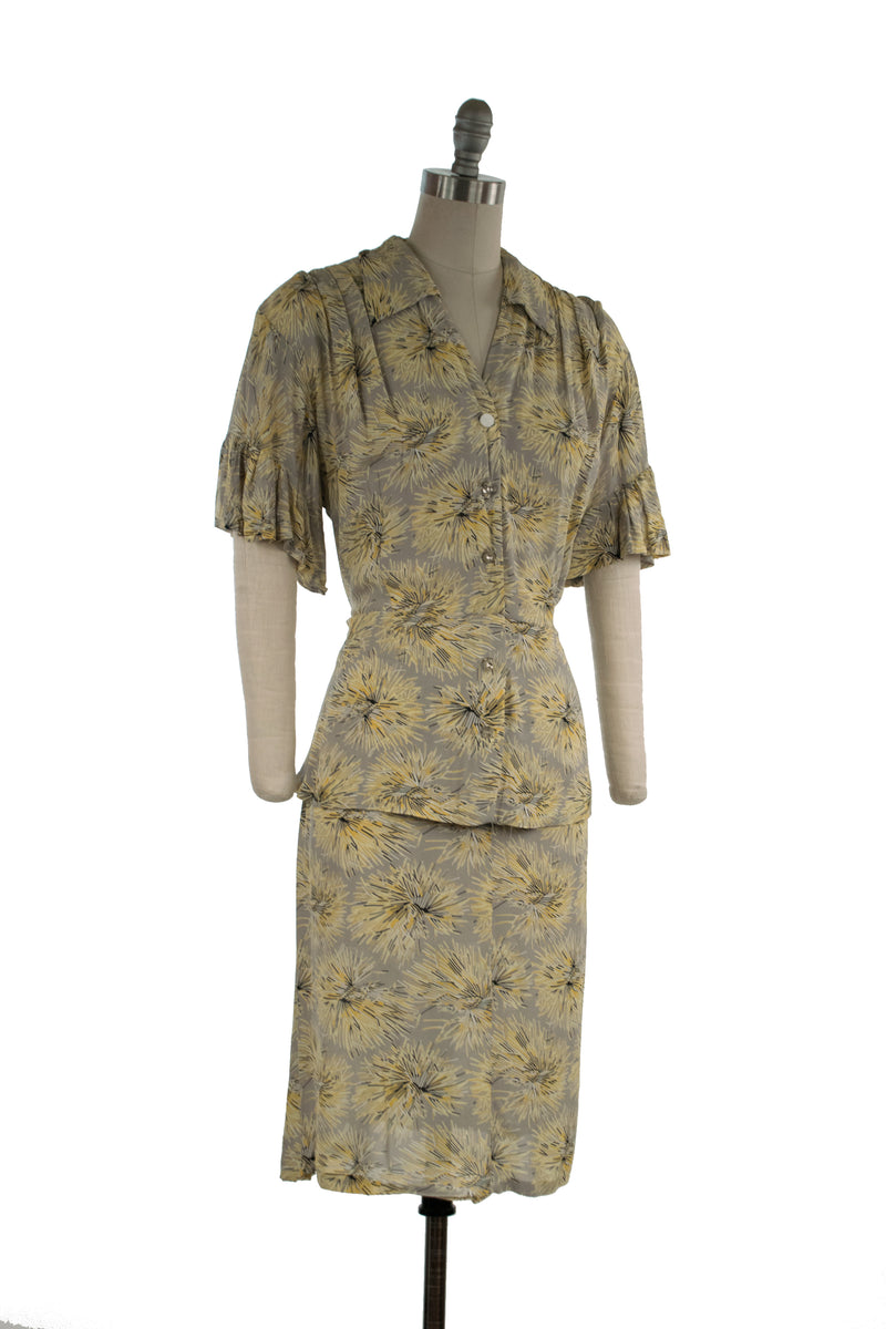 Gorgeous 1940s Volup Rayon Bemberg Dress with Firework Flowers
