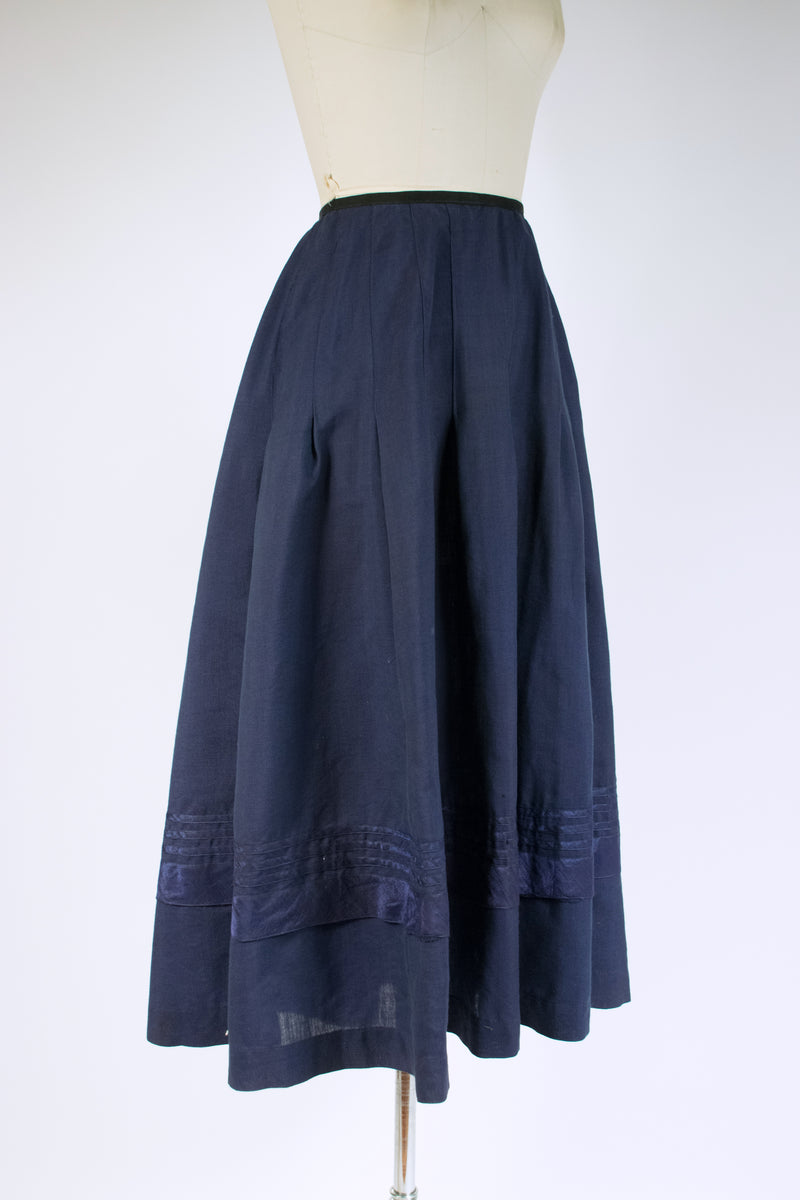 Sturdy 1910s Skirt of Wool/Linen Blend with Banded Silk Trim