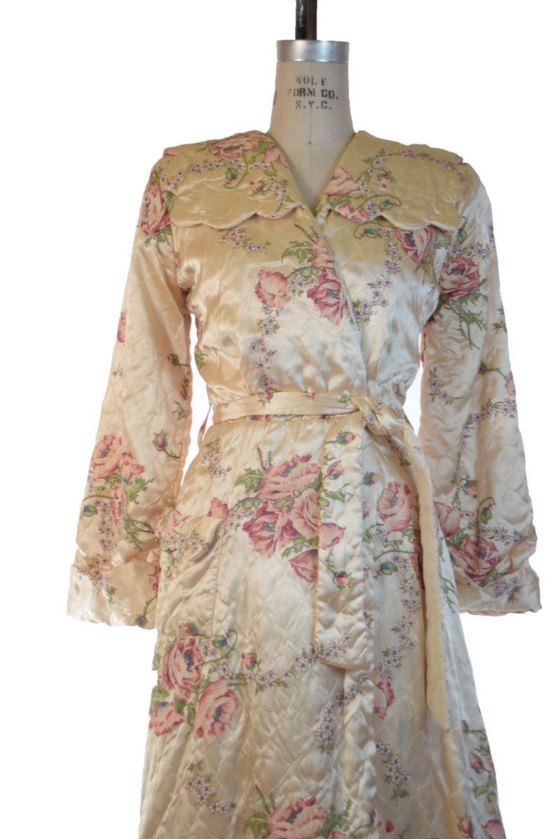 Cozy and Lux late 1940s Quilted Dressing Gown Satin Wrap Bathrobe