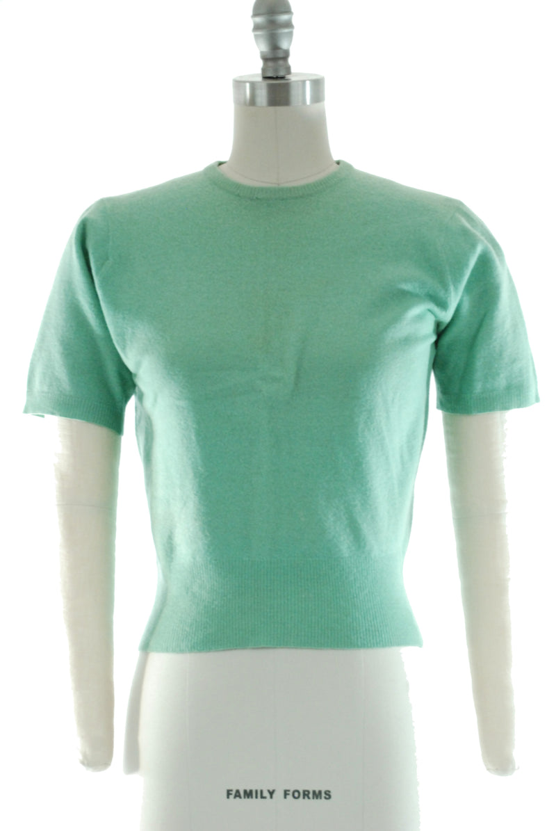 Vintage 1940s Cashmere Sweater in Mint Green, Pullover with Short Sleeves
