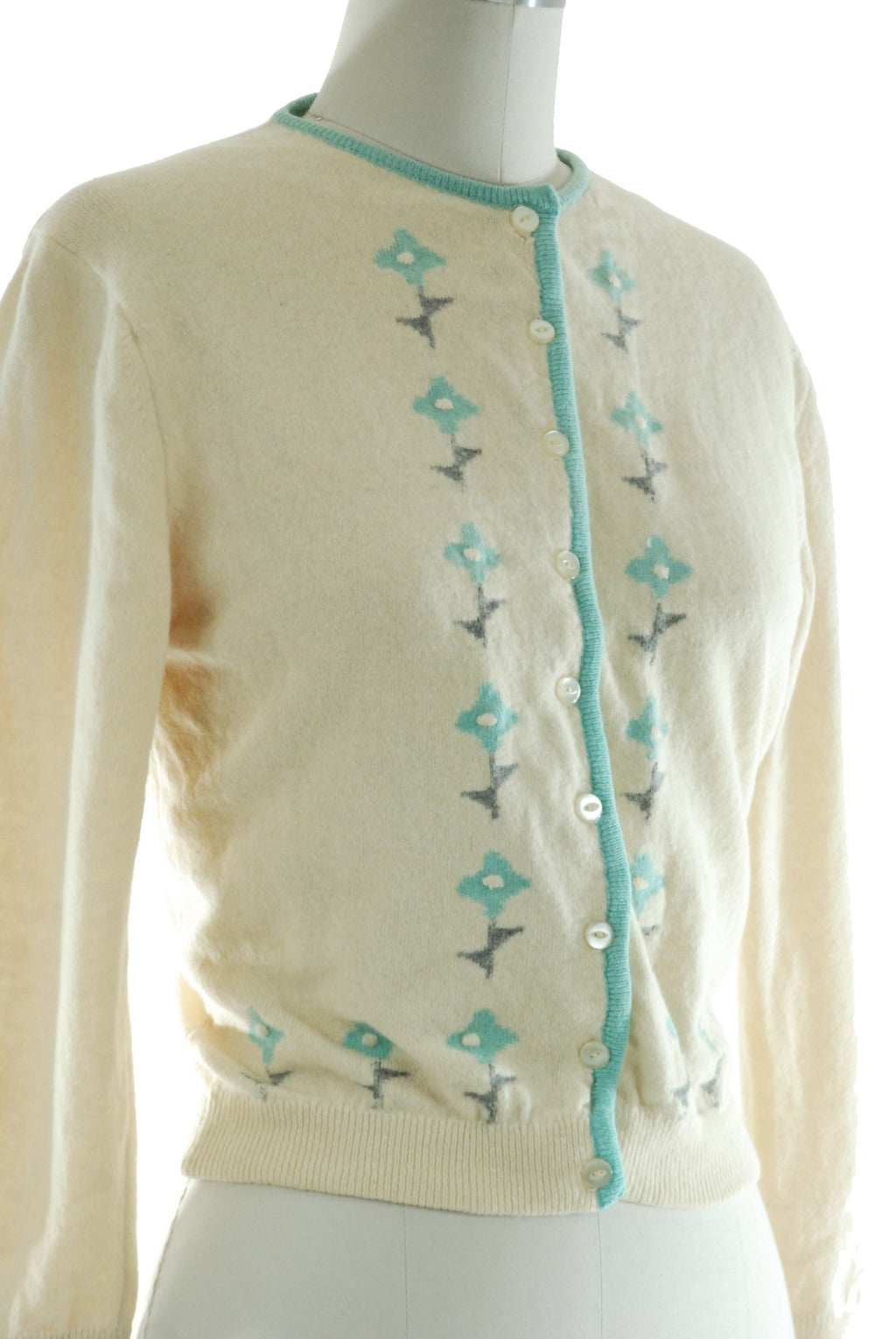 1950s Bobbie Brooks Intarsia Knit Cardigan Sweater in Ivory with Charming Aqua Flower Motif