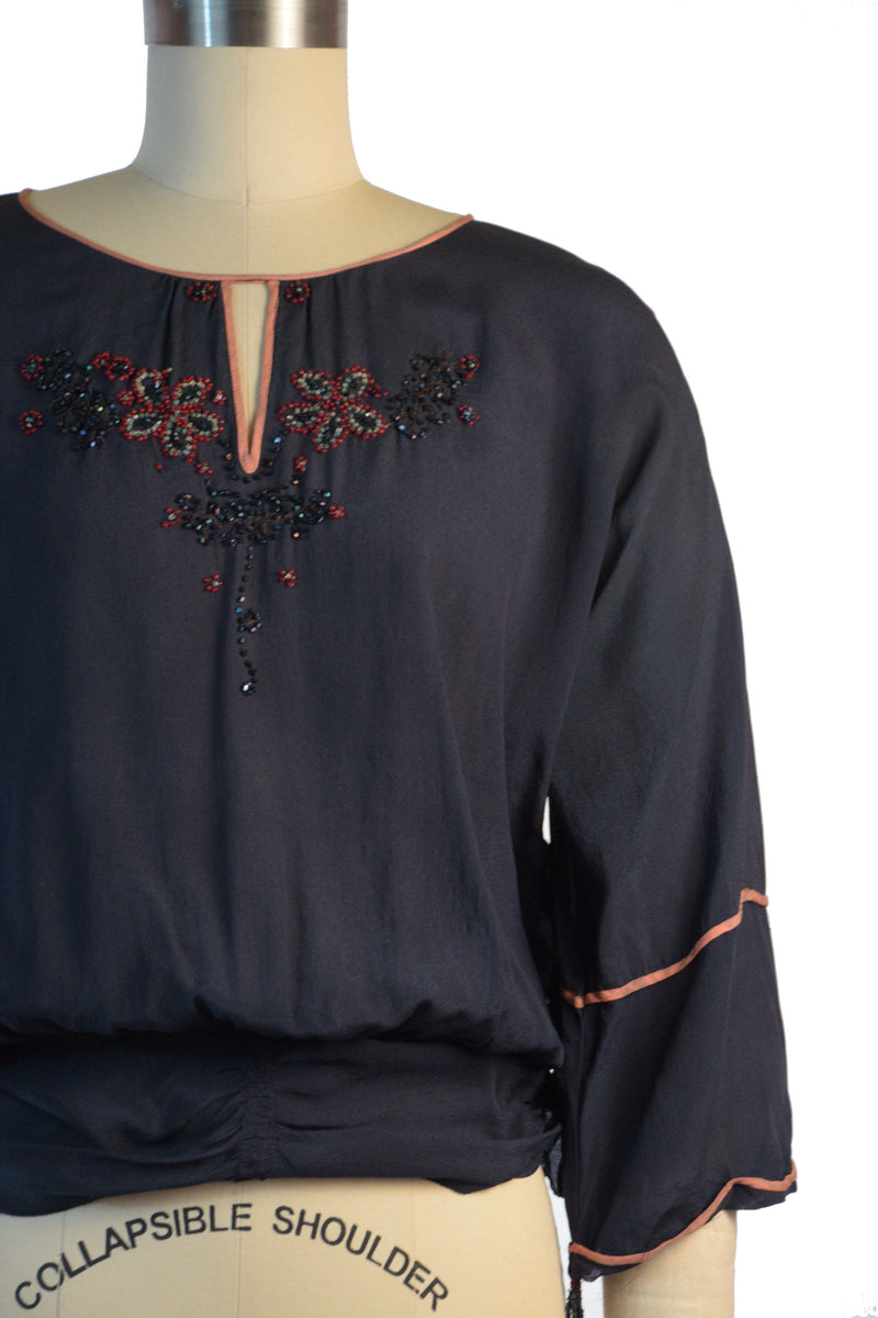 Chic Late 1910s Beaded Silk Blouse in Navy Blue with Peach Colored Trim