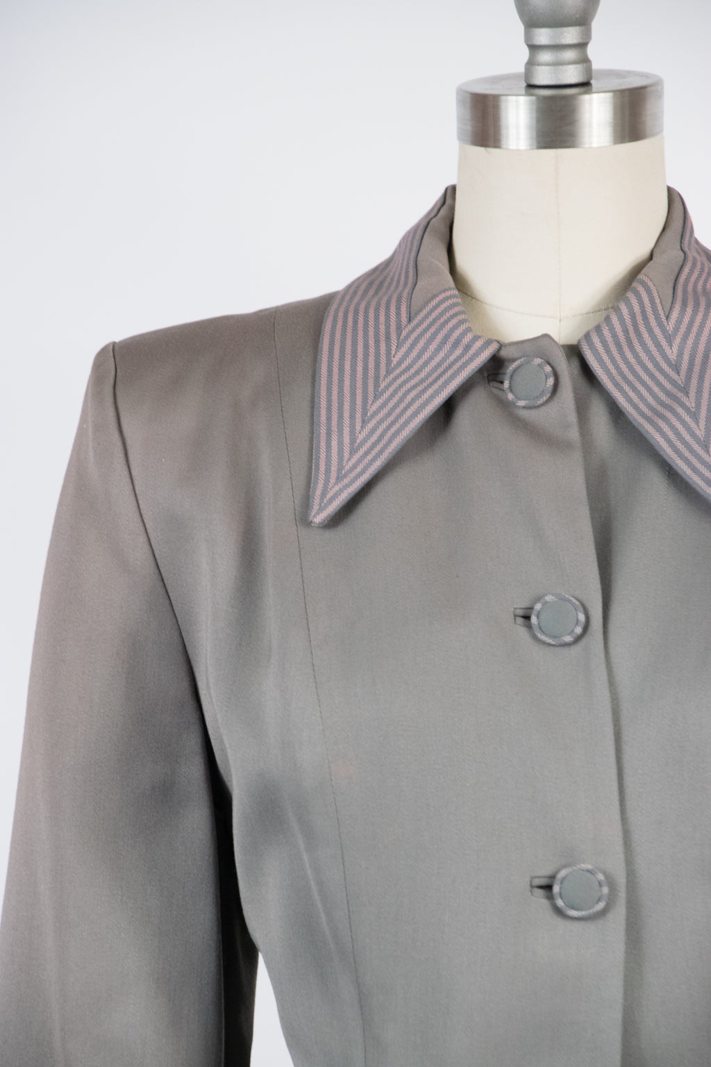Tailored 1940s Sleek Gabardine Jacket with Pink Striped Collar, Buttons and Pockets