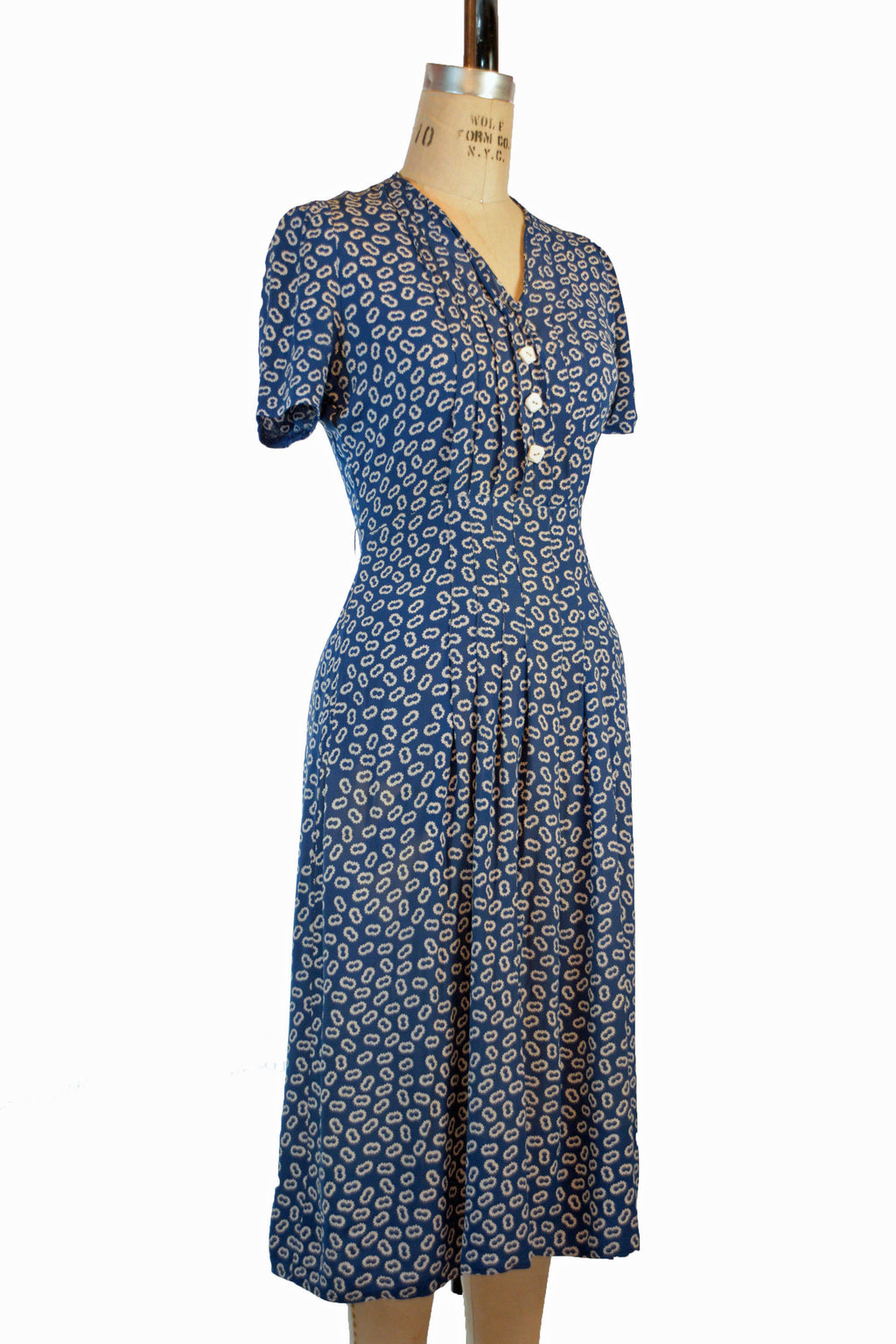 Charming Late 1930s Rayon Dress Set with Puffed Sleeves and Matching Grosgrain Trimmed Jacket