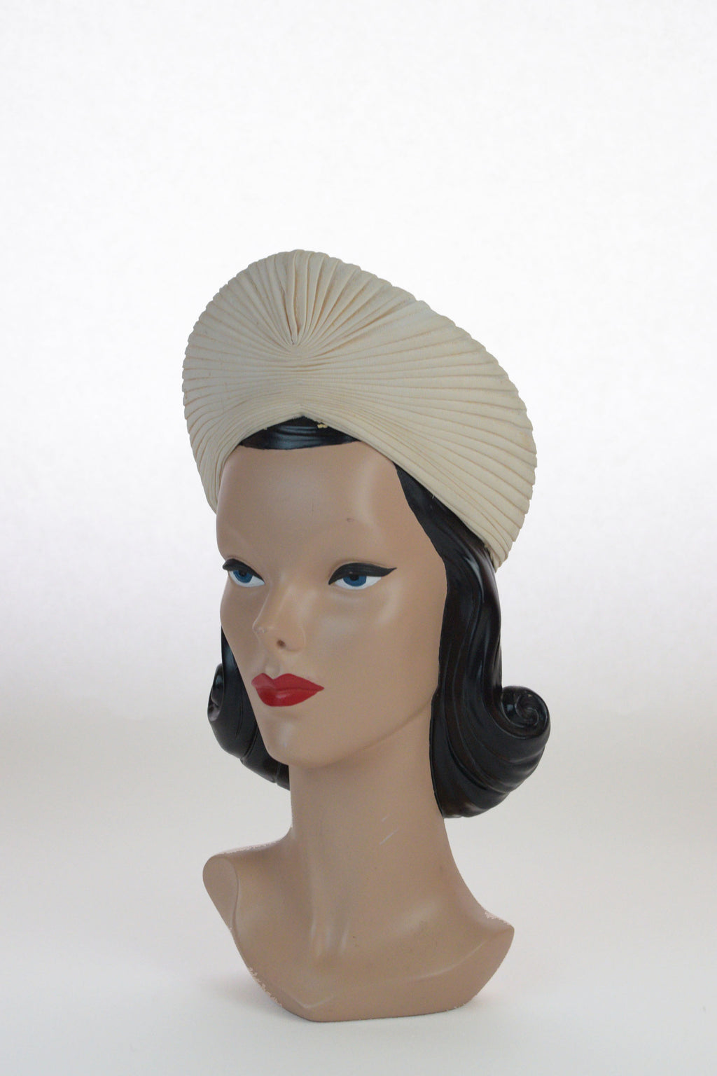 Fabulous 1940s Peaked Pleated Turban in Ivory