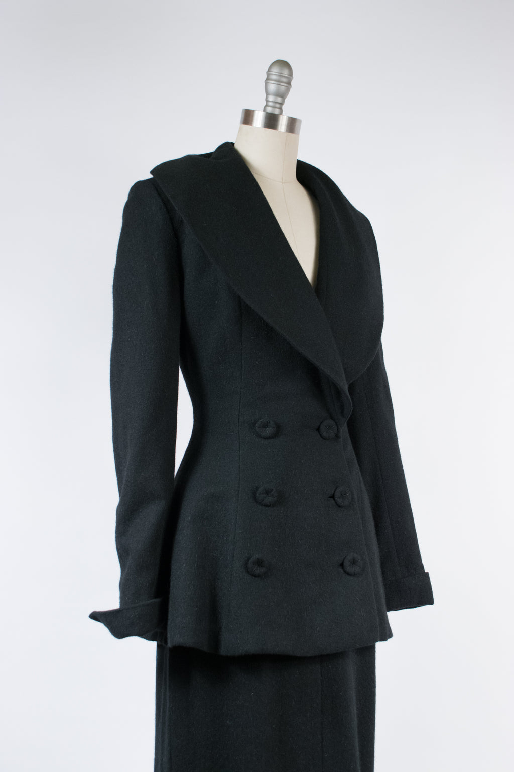 "Killer 1950s Extreme Hourglass Wasp-Waisted New Look Suit with Massive Collar, From the Over 5'7"" Shop"