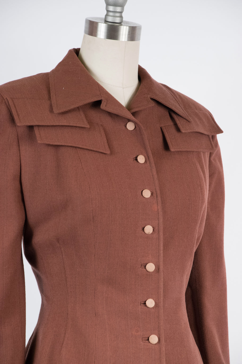 Autumnal 1950s Tailored Suit in Hazelnut Brown with Faux Pockets