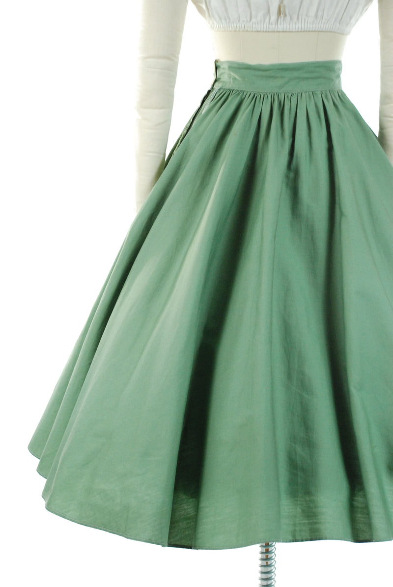 Late 1940s Stunning Moss Green Extra Full New Look Era Skirt in Crisp Cotton