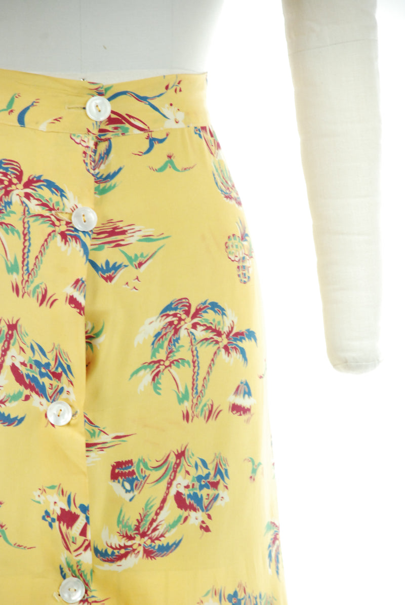 Fantastic 1940s Novelty Print Skirt in Cold Rayon with Pineapples and Palm Trees