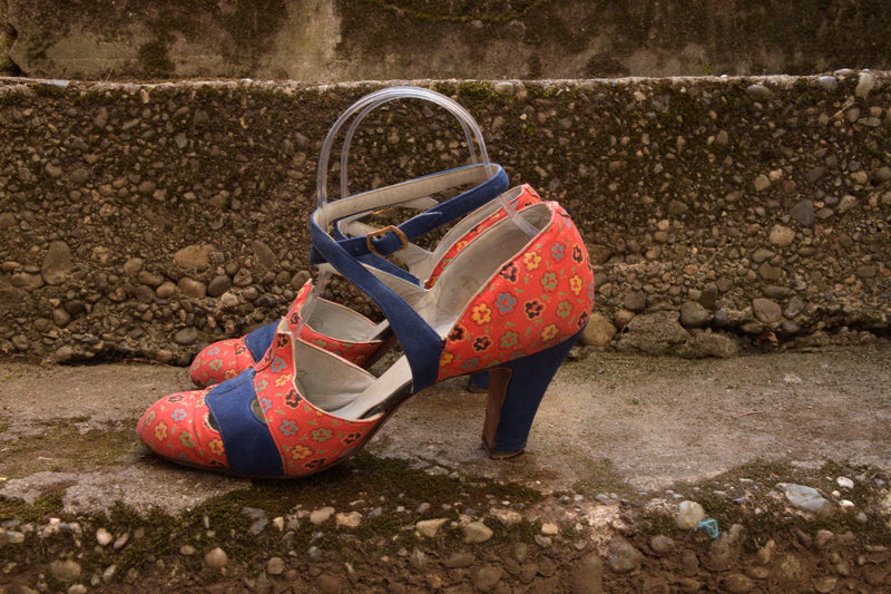 Killer Late 1930s Rice 0'Neill Cloth Printed Shoes in Red Floral With Primary Colors and Blue Suede Shoes Size 6.5 or 7 US