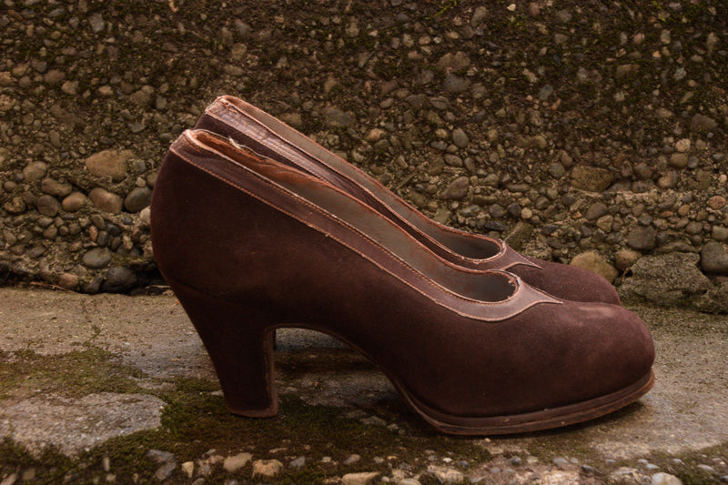 Smart 1940s Suede and Leather Pumps with Chunky Heel and Narrow Platform Size 5 5.5 US