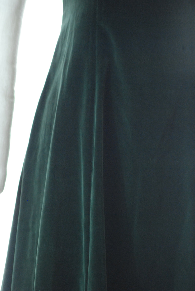 Elegant 1930s Emerald Green Velveteen Dress with Puffed Sleeves