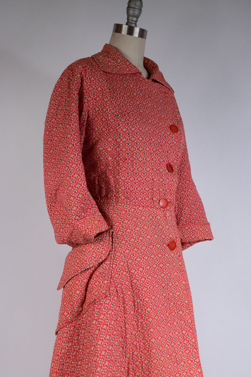Cozy 1950s Quilted Dressing Gown in Red Calico with Big Hip Pockets.