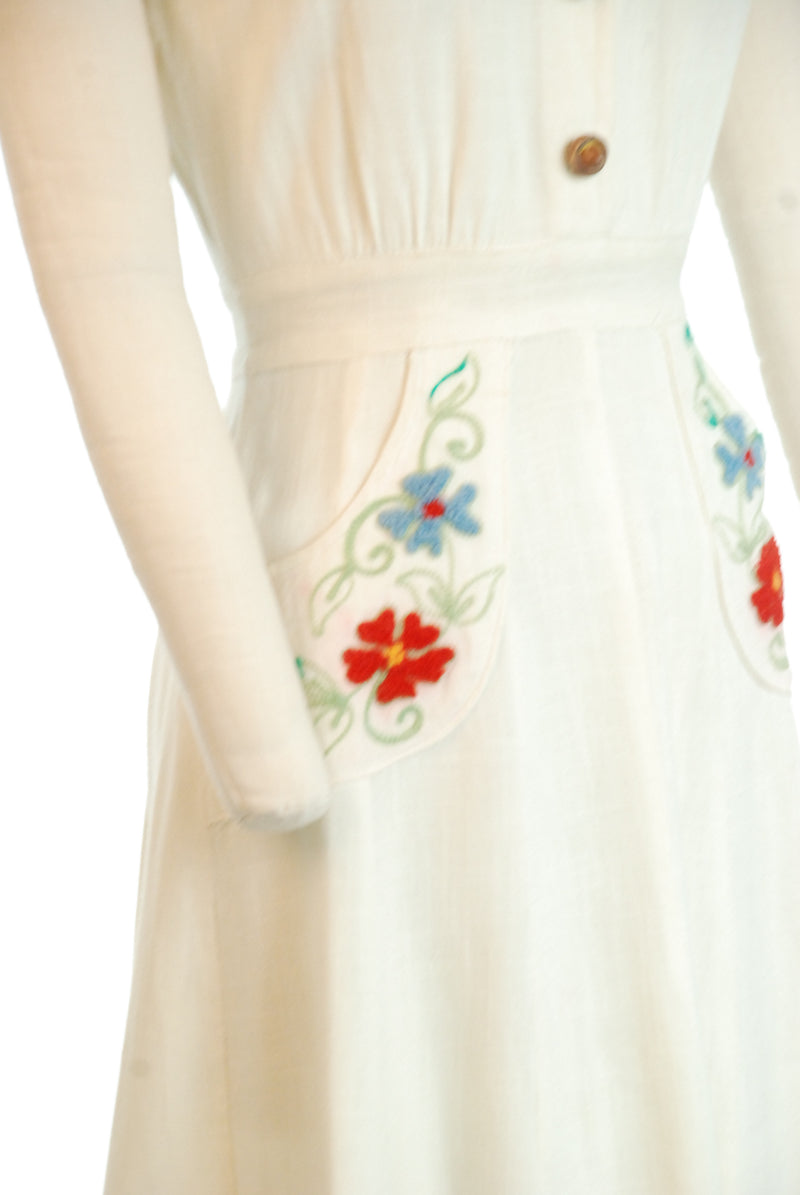 Fantastic 1930s Linen Day Dress with Novelty Buttons and Embroidered Floral Pockets