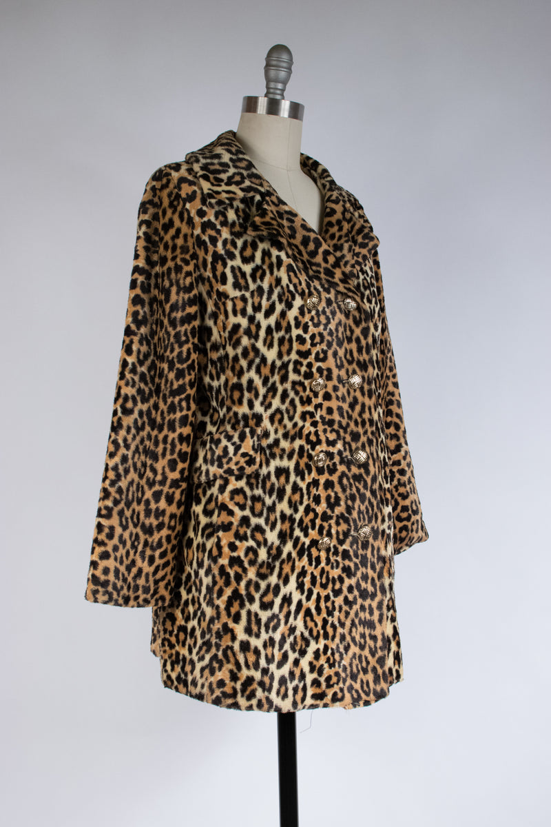 Lightweight 1960s Soft Faux Fur Leopard Print Jacket with Double Breasted Closure