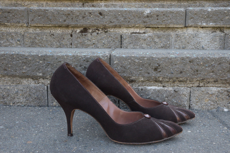 Sassy Early 1960s High Heels in Brown Suede with Metallicized Leather Accents Shoe Size 9 N US