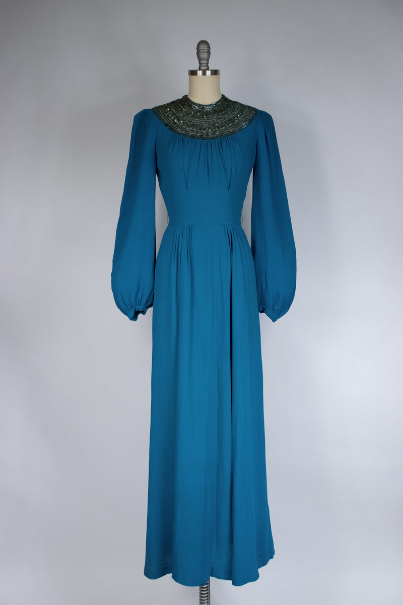 Gorgeous 1930s Puffed Sleeve Brocade Dressing Gown with Front Bell Zipper