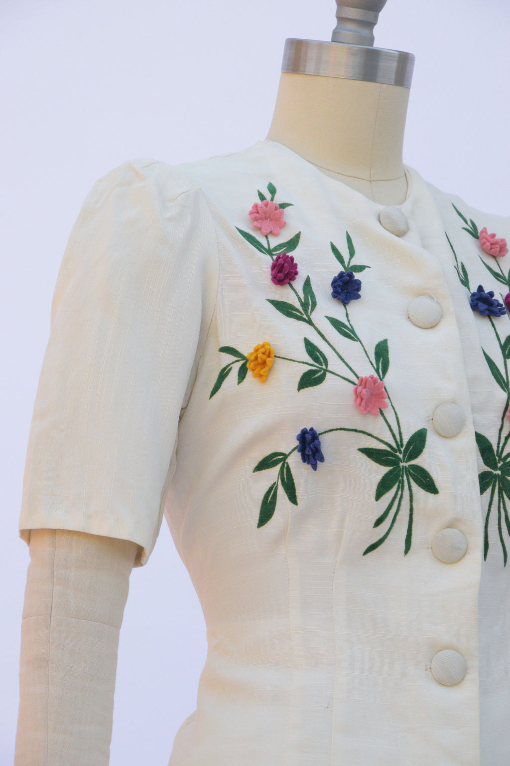 Glorious Late 1930s Suit in Ivory with Three Dimensional Felt Flowers and Flocked Stems