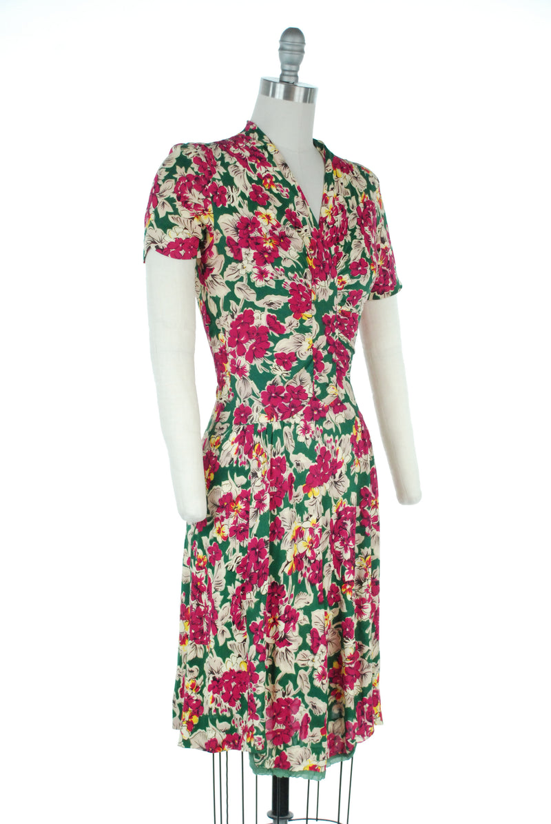 Brilliant 1940s Ruched Rayon Jersey Floral Day Dress in Emerald and Fuchsia