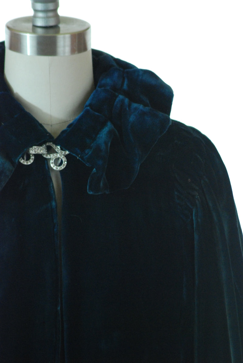 Elegant 1930s Silk Velvet Nocturnal Blue Jacket with Modified Gigot Sleeves