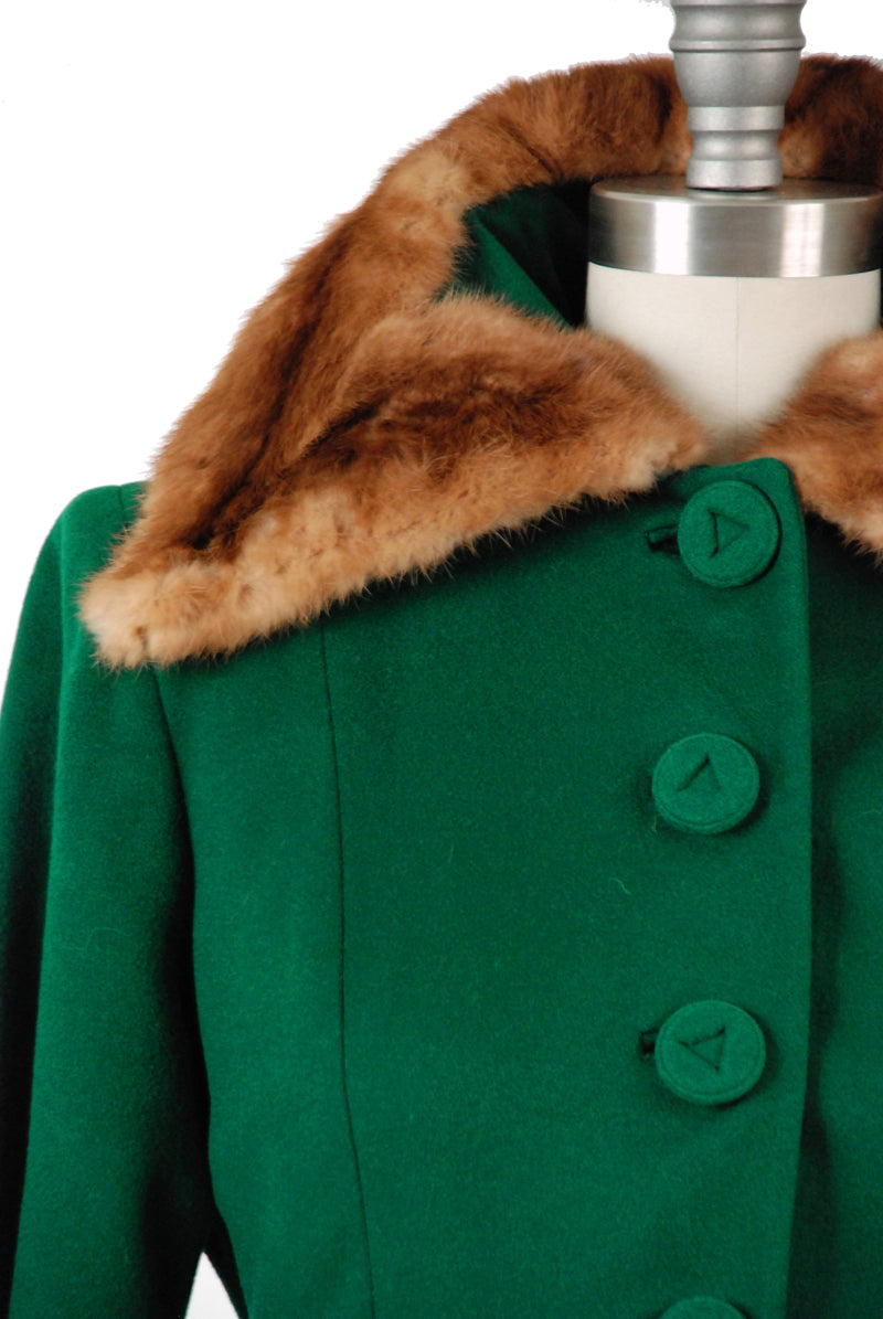 Exquisite Late 1940s Emerald Green Fit 'n Flare Princess Coat with Fur Collar and Pockets