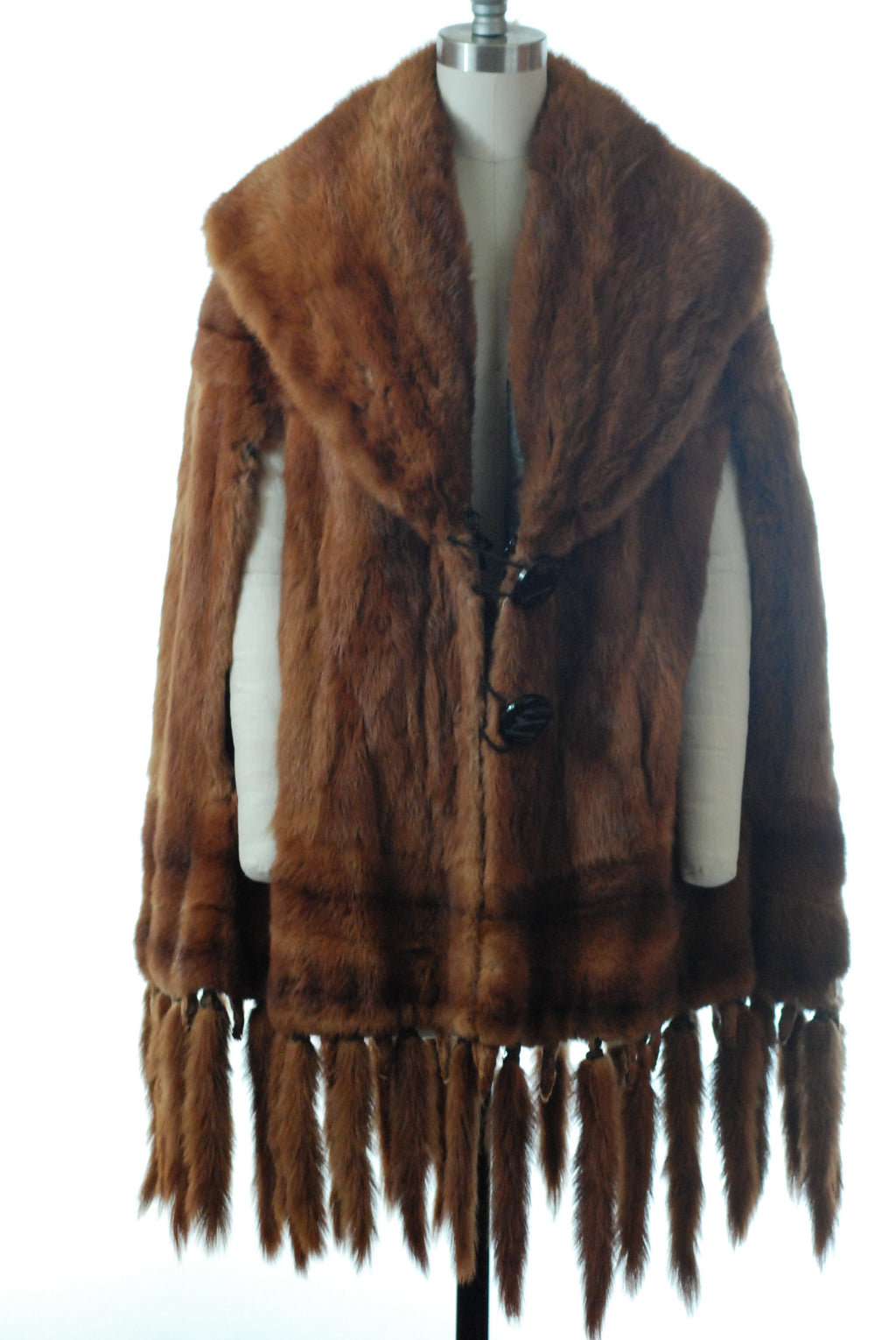Magnificent Edwardian Fur Cape with Trim with a Fringe of Tails and Feet