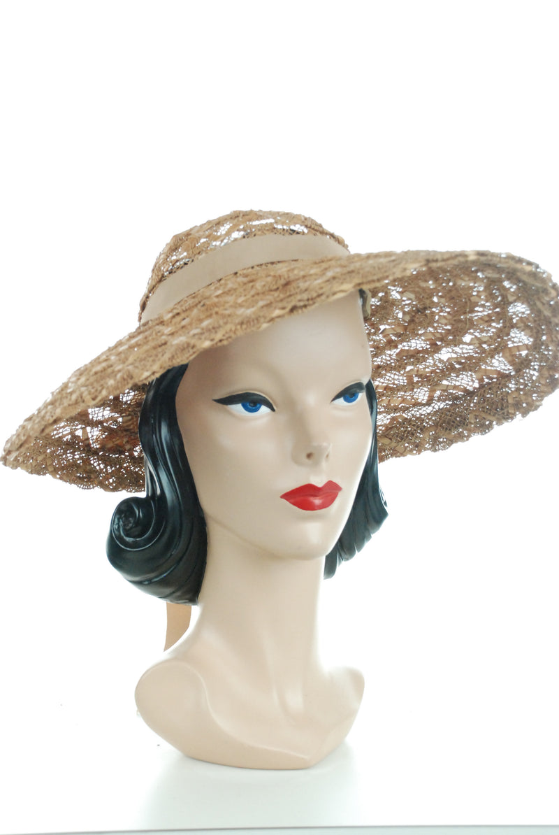 Wonderful 1940s Open Crown Summer Straw Sunhat with Lace Like Weave