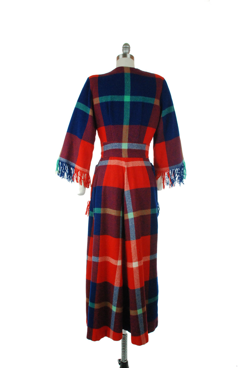 Exceptional 1940s Fringed Tartan Plaid Wool tailored Dressing Gown