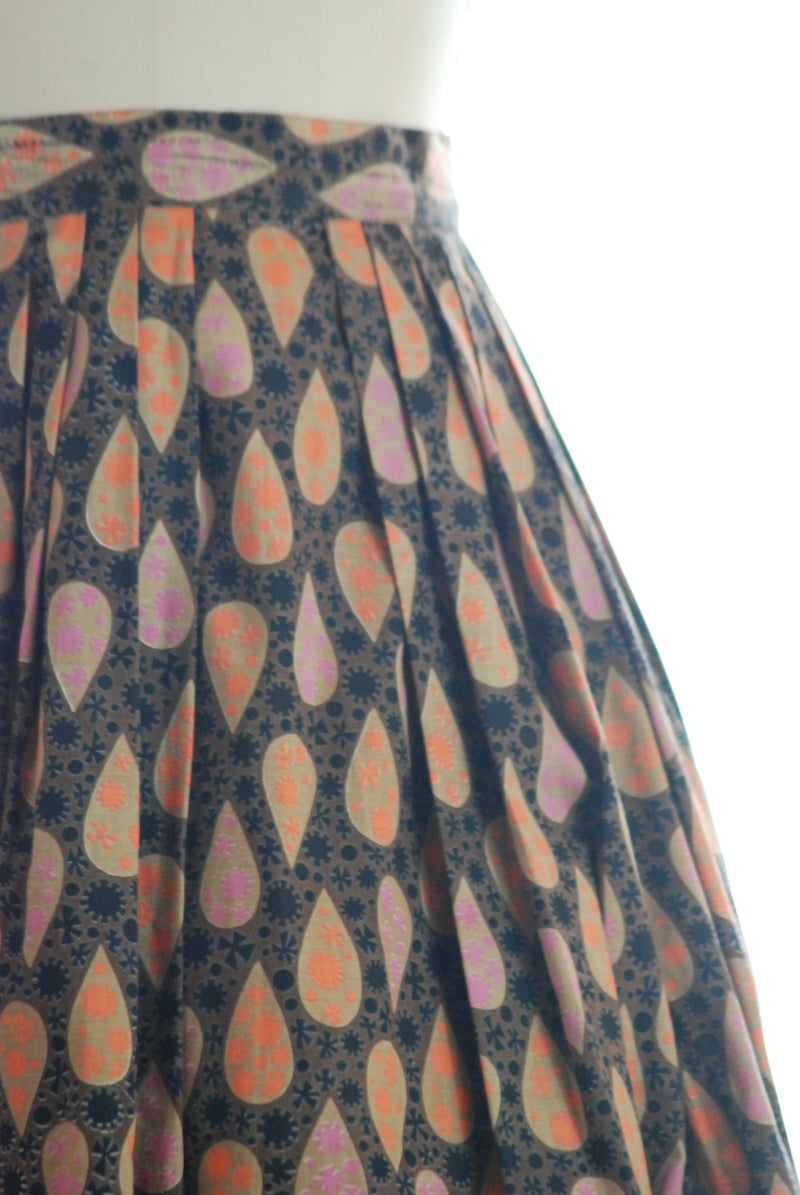 Early 1960s Cotton Skirt in Atomic Teardrops, One of Twins!