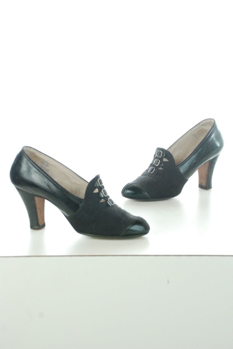 Fantastic Witchy 1930s Shoes in Canvas and Patent Leather with Buckle Accents