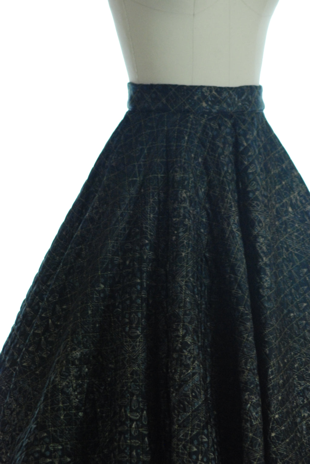Glossy 1950s Quilted Circle Skirt with Metallic Gold Print