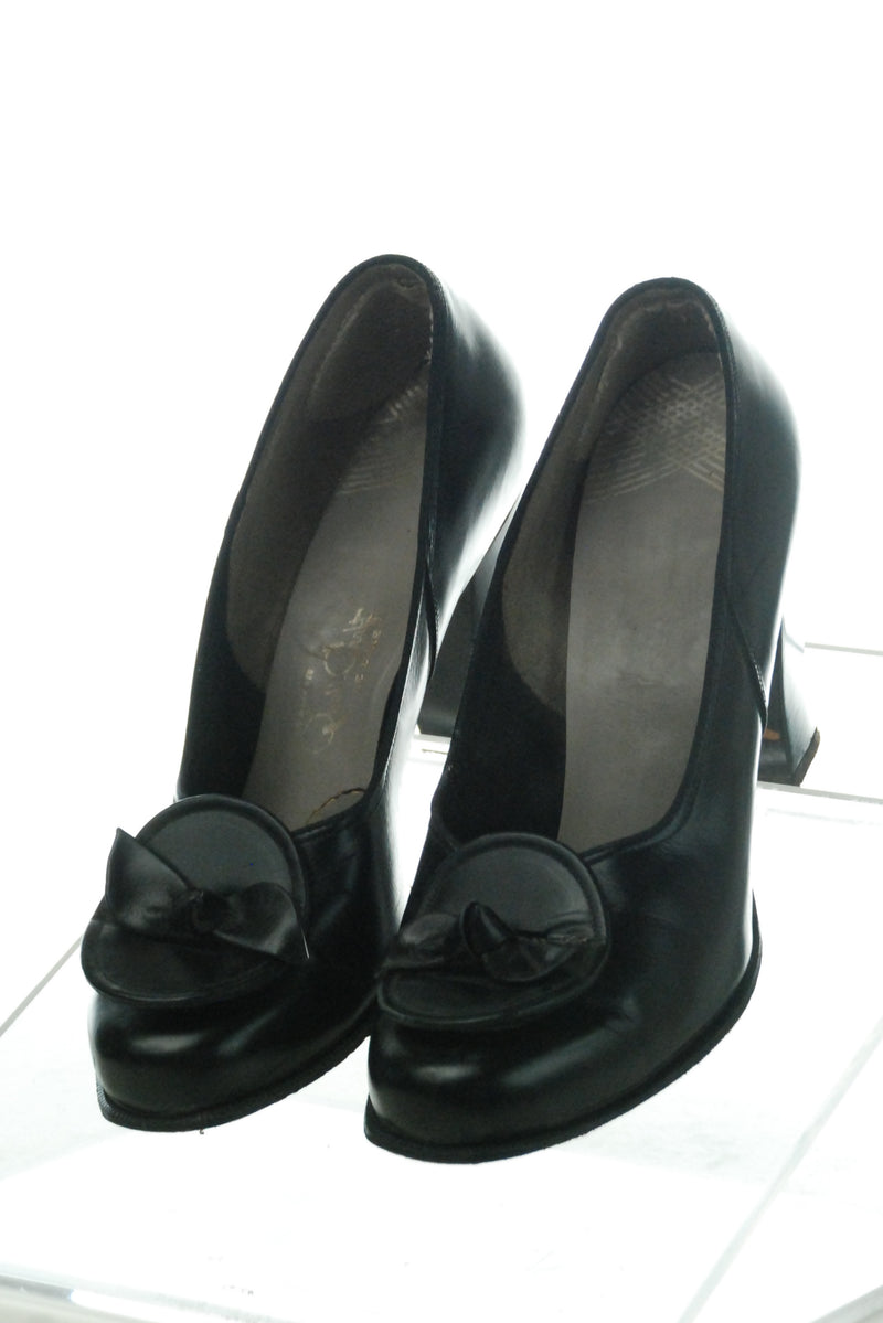 Gorgeous 1940s Qualicraft Shoes with Block Heels and Perfect Silhouette Size 7 7 1/2