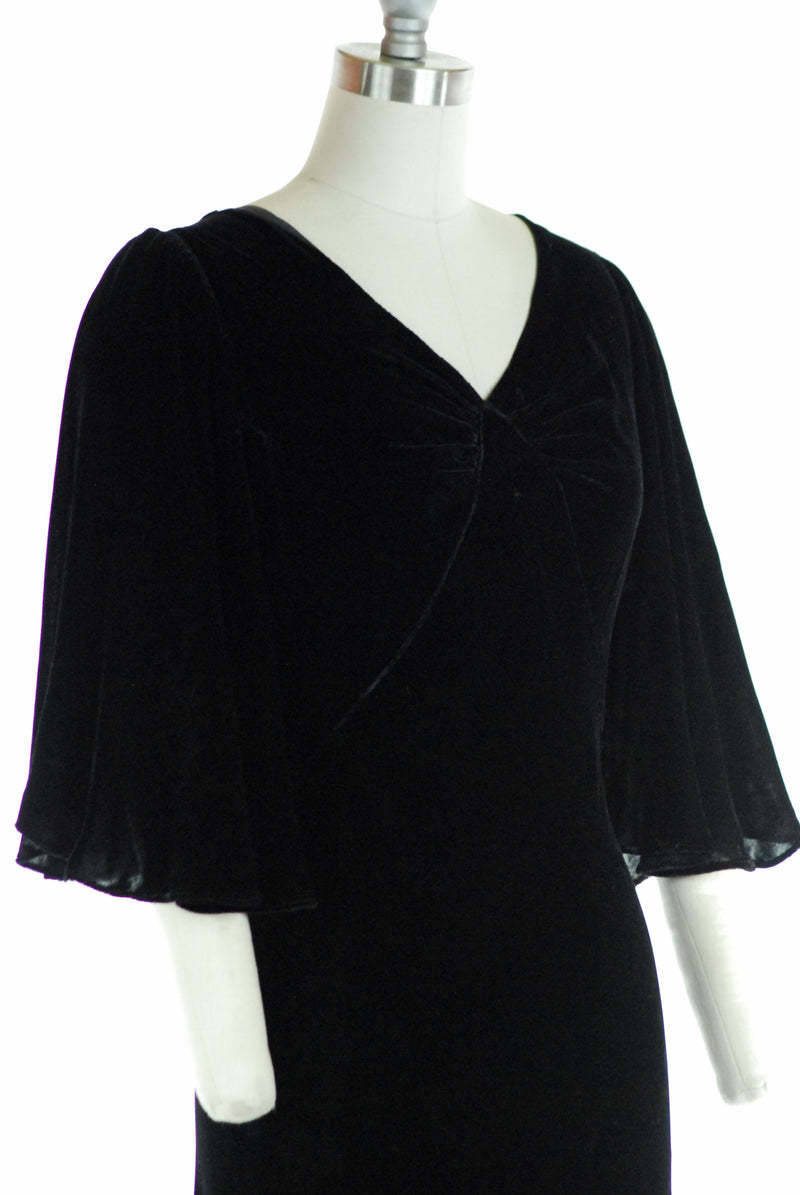 Elegant 1930s Black Silk Velvet Evening Gown with Lush Angel Sleeves
